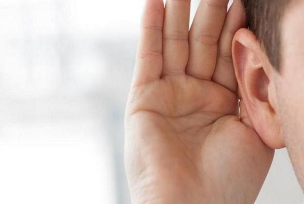 اجازه ندهید کم شنوایی محدودتان کند