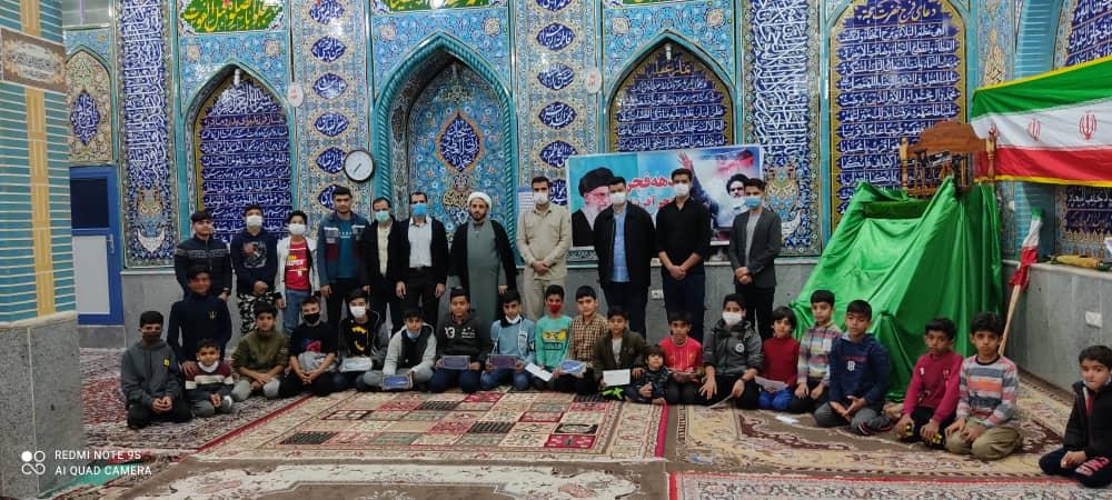 تجلیل از نفرات برتر مسابقات ورزشی و بصیرتی بسیجیان شوش در دهه فجر